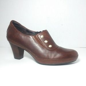 Clarks Artisan Brown Leather Ankle Boots Size 8.5W